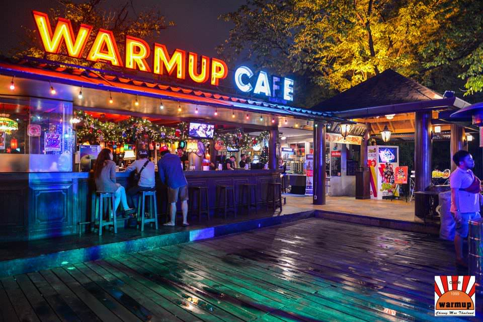 Warm Up Café